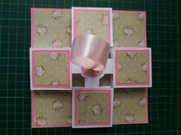 Handmade Pull Up Accordion Lantern Card