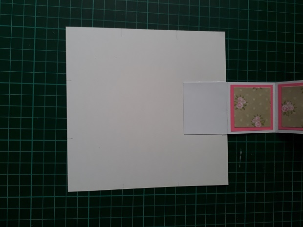Assembling The Pull Up Accordion Lantern Card