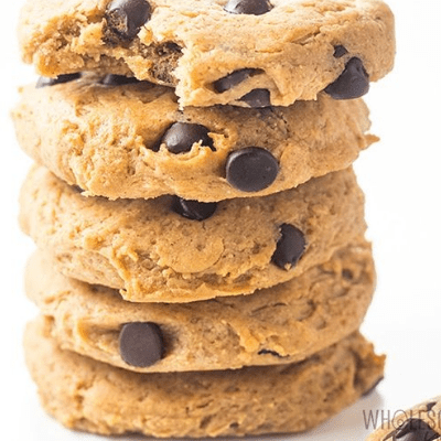 Easy Low Carb Chocolate Chip Peanut Butter Cookies
